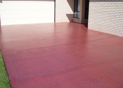 Decorative honing to existing driveway Kingaroy - Solvent acrylic + slip media casted in (1)