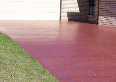 Decorative honing to existing driveway Kingaroy - Solvent acrylic + slip media casted in (3)